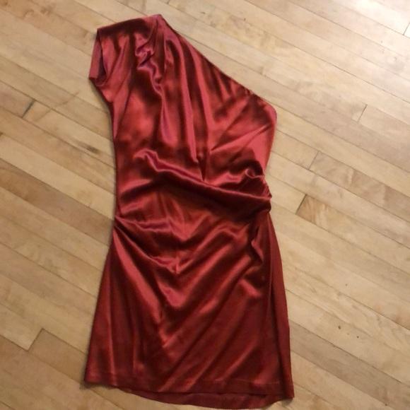 Diane Von Furstenberg Dresses & Skirts - Diane Von Furstenberg one shoulder silk dress